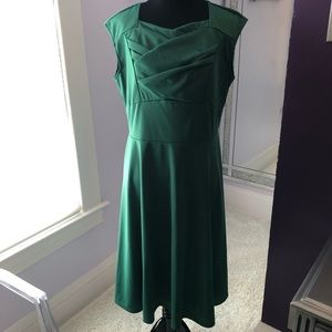 Evergreen pinup style dress.  Size L